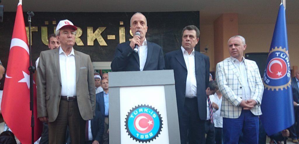 Türk-İş Darbe protesto